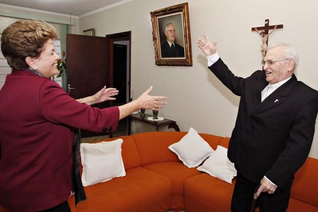 D. Paulo recebendo visita de Dilma Roussef.